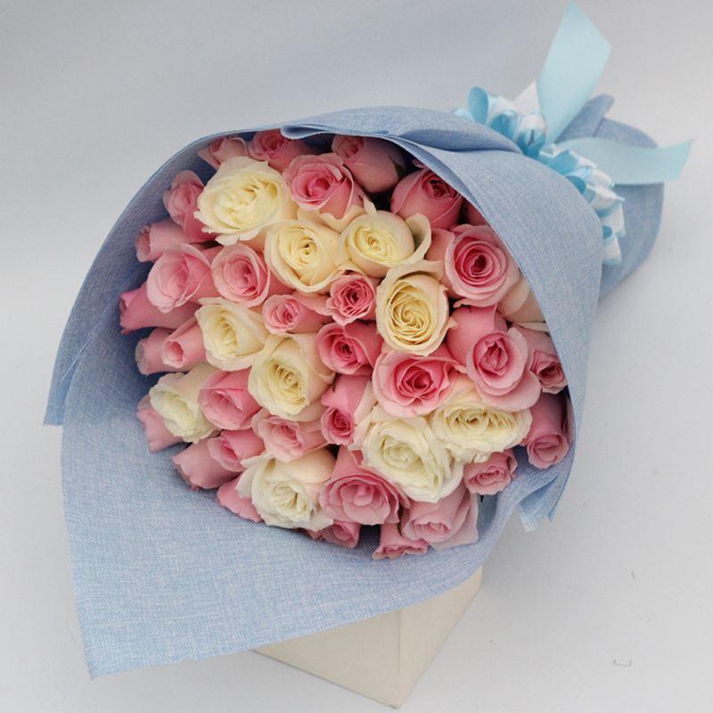 无配花               [包 装]:浅蓝色外包装,简易混搭款扇形花束