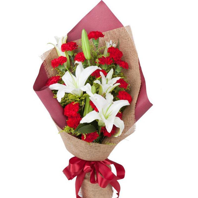 [名 称]:好运连连 [编 号]:XH01602 [材 料]:白色多头香水百合2支,红色康乃馨16支,黄莺搭配 [包 装]:黄褐色细麻片和红褐色雾面纸如图包装,精美扇形花束 [花 语]:祝你拥有甜甜的笑容,美美的模样,连连的好运,久久的幸福,愿你一直是一八的心态和快乐,二八的青春和年华,三八的身段和甜蜜! [适合场合]:生日,祝福,节日,慰问,探望 [配送范围]:本产品全国各地均可送达 [订花热线]:400-702-6699